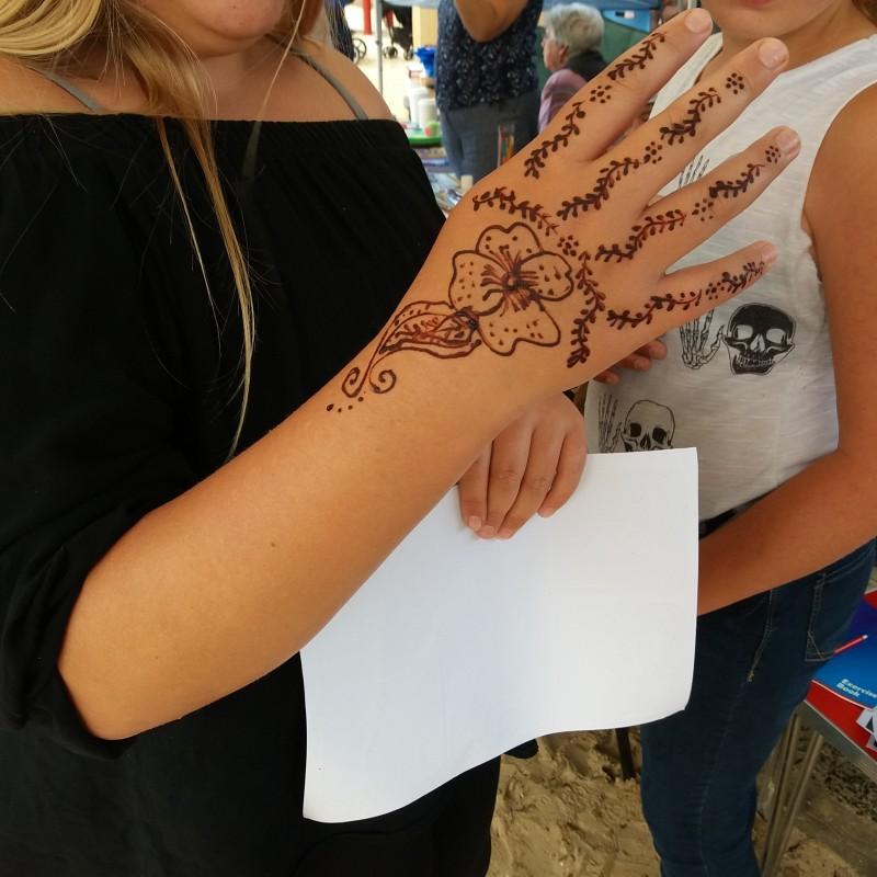 Another henna design.